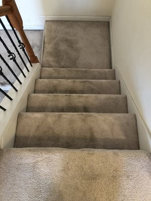 Before & After Cleaning Carpeted Staircase in Atlanta, GA (2)