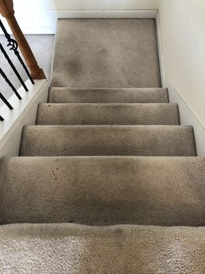 Before & After Cleaning Carpeted Staircase in Atlanta, GA (1)
